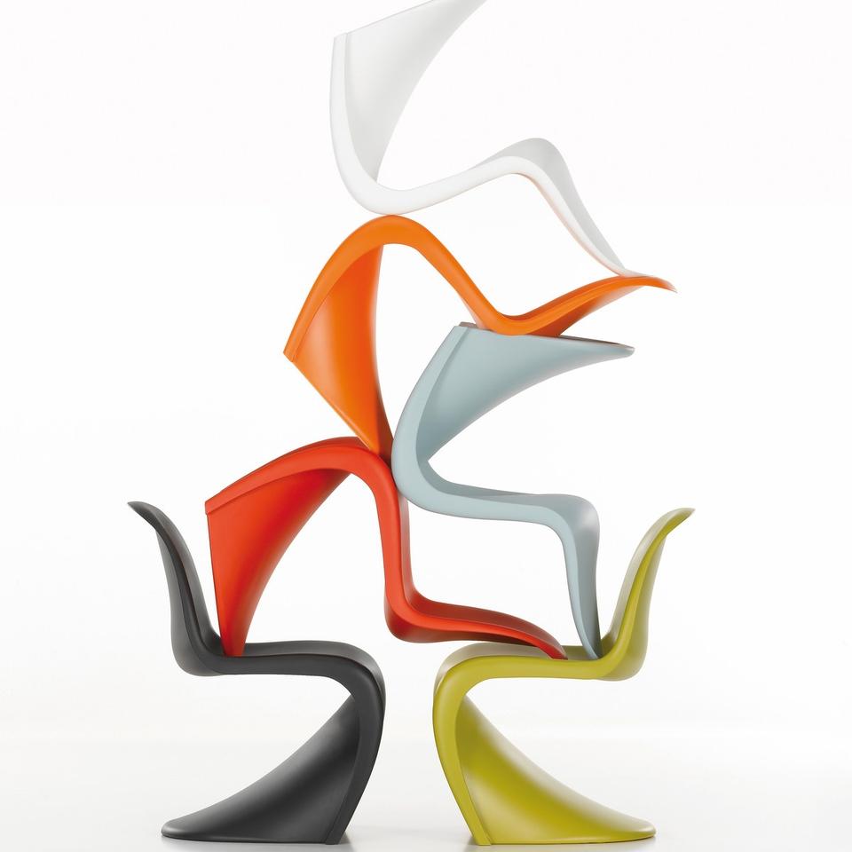 <p>世界上第一個模壓塑料椅,被認為是丹麥設計的傑作之一。</p>