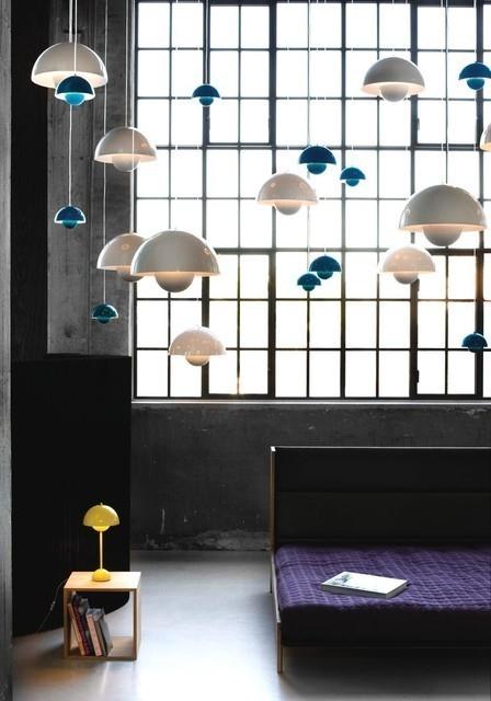 "<p>他在1969年設計的""TheFlowerpot""花盆系列垂燈也是丹麥照明設計的代表作之一:燈光從兩個相對的半球體間灑下,非常有未來感。</p>"