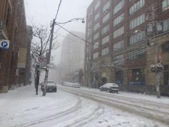 <p>冬天必須在冰天雪地升至零下出門上班上課</p>